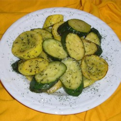 Dill and Butter Squash Recipe - This is a different angle on an old veggie.  Even the kids will eat this one! If you've got fresh dill in your garden, substitute 2 to 3 fresh sprigs dill for the dried dill weed.