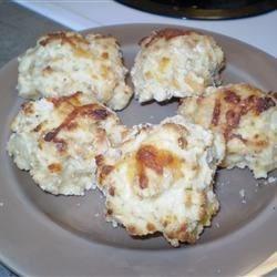 Low Fat Cheddar Garlic Biscuits