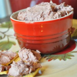 Easy Liver Pate Recipe - This is a favorite passed down to me from my mom.  We have it at family gatherings and this year I'm taking it to the Super Bowl party. Seasonings may be adjusted to suit your taste.  Serve with your choice of crackers.
