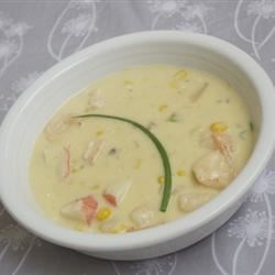 Crawfish Chowder Recipe - A creamy chowder consisting of green onions, corn, crawfish, cream of potato and mushroom soups, and a bit of cayenne pepper for a little kick. Serve with cornbread, or some crusty French bread.