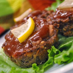 Lemon Barbeque Meatloaf Recipe - Delicious individual meatloaves! The flavors are great and the topping is to die for. The lemon on top makes a nice presentation.