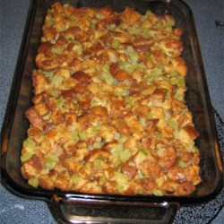 Grandma Winnie's Turkey Stuffing Recipe - This recipe for bread stuffing calls for canned mushrooms, onion, celery, and poultry seasoning.  It will make enough to stuff a 12 to 15 pound turkey.