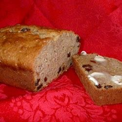 Moist Banana Raisin Bread Recipe - Whip up a batch of this delicious peanut butter and raisin banana bread, and enjoy the velvety smooth texture and rich flavors. You'll love it!