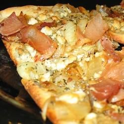 Caramelized Onion and Gorgonzola Pizza (August 31, 2010)