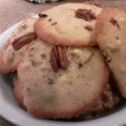 White Chocolate Chunk Pecan Cookies Recipe - Soft, smooth white chocolate with a hint of pecan....a very yummy cookie.  Chop the white chocolate as course or as fine as you like.