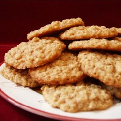Excellent Oatmeal Cookies Recipe - This is a chewy oatmeal cookie with walnuts and cinnamon.