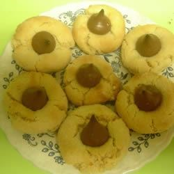 Easy Peanut Blossoms Recipe - Peanut Blossoms made with sweetened condensed milk.