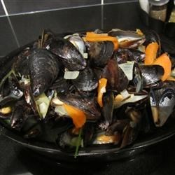 Savory Mussels Recipe - Serve this simple dish of mussels cooked just right in chicken broth as a starter to a meal, or as a meal in itself!