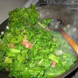 Spicy Collard Greens Recipe - Collard greens are cooked with bacon and vinegar, with salt, pepper and cayenne.