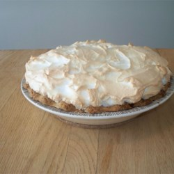 Robert E. Lee's Orange Pie Recipe - This delightful and refreshing meringue-topped pie is an orange lover 's delight. Fresh orange juice and orange rind are stirred into the custard filling, giving this sweet tart pie a lovely color and texture. Garnish with orange slices and sprigs of mint.