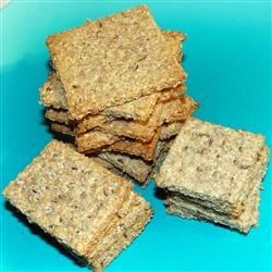 NY Style Rye Crackers Recipe - These crispy rye crackers are seasoned with caraway, garlic, and onion powder.