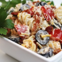 Bacon Ranch Pasta Salad Recipe - This is a very flavorful pasta salad. The crisp cooked bacon really adds a nice flavor. I get requests for this pasta salad for every get together and cook out.