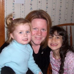 MommaBird & her 2 girls
