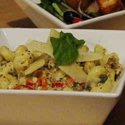 chicken & pasta in creamy pesto sauce