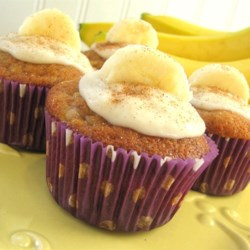 Apple Banana Cupcakes Recipe - This is a cupcake that smells as good as it tastes.  It's an old Polish recipe from some of the best bakers in Milwaukee!