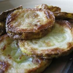 Sweet Fried Summer Squash Recipe - A sweet, crispy coating for deep-fried yellow or summer squash is a taste treat for veggie lovers and their friends. Serve this dish as a tasty appetizer or side dish.