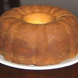 Aunt Johnnie's Pound Cake