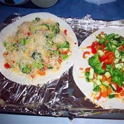 Vegetable Quesadillas Recipe - Delicious quesadillas with cheese and steamed vegetables like broccoli, carrot, bell pepper and mushrooms.