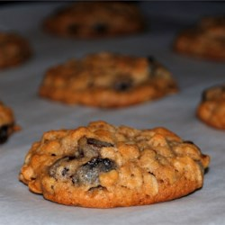 Oatmeal Gems Recipe - An oatmeal cookie for those who like a softer version. Try using pecans in place of the walnuts.