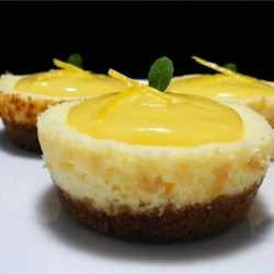 Microwave Lemon Curd Recipe - This is a delectable lemon curd recipe with the added attraction of being quick and easy to make. It is particularly useful when entertaining and short on time.