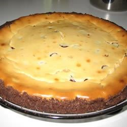 Chocolate Chip Cheesecake Recipe - An easy creamy cheesecake made with brown sugar and chocolate chips. Super yummy!