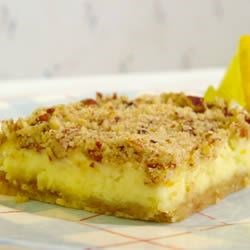 Crunchy Cheesecake Bars