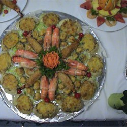 Amazing Crab Shells Recipe - Pasta shells take a turn as a tasty hors d 'oeuvre when stuffed with cream cheese, crabmeat and baby shrimp.
