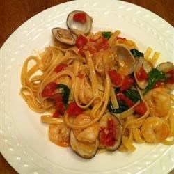 Spaghetti Pinot Grigio with Seafood!