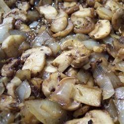 Pat's Mushroom Saute by Laura