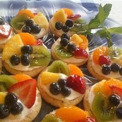 Mini Fruit Pizza's