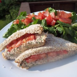 Tarragon Tuna Salad Recipe - This is a tuna sandwich you would expect from a high-end sandwich shop. It is light, fresh and full of flavor.