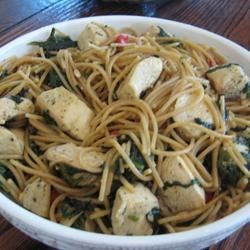Spinach Garlic Pasta Recipe - Sauteed garlic and olive oil adds richness and flavor to a splendid blend of hot angel hair pasta and chopped spinach. Simply toss all the ingredients together, cook for a couple of minutes, and serve.