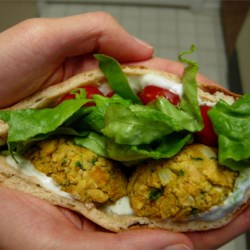 Jeanie's Falafel Recipe - This is a tasty dense falafel that contains no eggs. Serve on pitas with tzatziki or tahini sauce with lettuce and tomato.