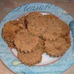 Yummy Chocolate Chip Oatmeal Cookies Recipe - Yummy chocolate, oats and cinnamon flavor these easy cookies.