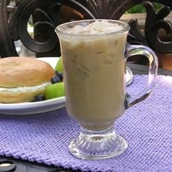 Sara's Iced Coffee Recipe - Lightly sweetened iced coffee with just a hint of vanilla. Yum!
