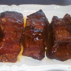GrannyLin's Barbeque Ribs Made Easy Recipe - Prepared in a slow cooker, these country style ribs made with your favorite barbeque sauce couldn't be easier.