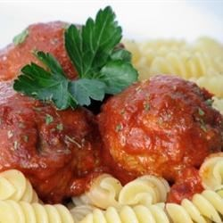 Easy Slow Cooker Meatballs Recipe - Serve these slow cooked meatballs with your favorite pasta.