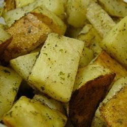 Momma's Potatoes Recipe - This is a crisp, rosemary-scented alternative to fried potatoes. Dee-lish!!!