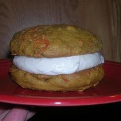Carrot Cake Whoopie Pie