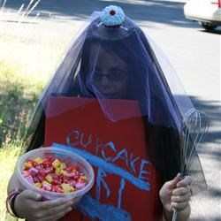"""Kate as """"Cupcake Girl"""" for the Trout Lake Fair Parade 2011"""