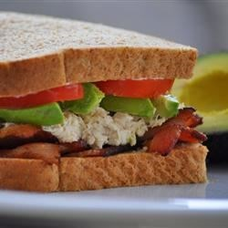 Tuna, Avocado and Bacon Sandwich Recipe - This spicy sandwich with bacon, avocado and bacon is excellent for college dorm rooms, small kitchens, rushed cooks!