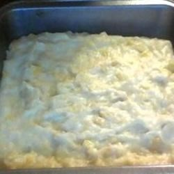 Maja Blanca Maiz (Corn Pudding) Recipe - A simple and delicious dessert of corn pudding made with canned cream of corn and rice flour. Serve with Latik (Fried Coconut Milk Curd) for a true Filipino experience.