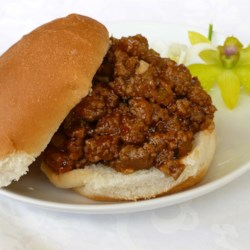 Neat Sloppy Joes Recipe - No green pepper in this recipe, so it's a hit with kids. We added this to the menu at a children's camp, and it has been a favorite for several years.  The mixture is thick, so they are 'neat' rather than sloppy. This freezes and reheats well.