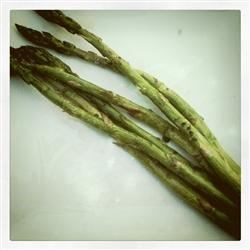 Black Salt Asparagus Recipe - I bought fancy black sea salt on a trip and was dying to create a recipe that showcased the flavor.  This asparagus recipe is it!  It is fresh, delicious and so simple that my 14 year-old can make it.  A great side dish anytime!