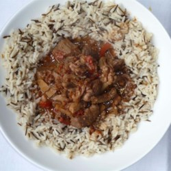 Beef and Walnut Stew Recipe - Beef stew with walnuts, peppers, mushrooms, onion and garlic. Serve over rice.  It is even good cold!  Originally from Australia.
