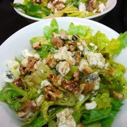 Balsamic Bleu Cheese Salad Recipe - This is a delicious, light salad of spring greens tossed with walnuts, bleu cheese and a balsamic vinaigrette.