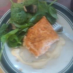 Salmon w/ spinach and mushrooms