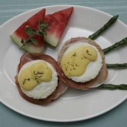 Whalewalk Inn Eggs Benedict