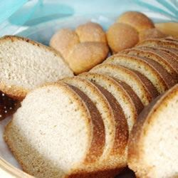 Good 100% Whole Wheat Bread Recipe - Some wheat bread recipes are hard to make, but this isn't one of them, thanks to the use of your bread machine.