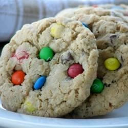 Linda's Monster Cookies Recipe - These cookies are great just from the oven, but even more amazing you can freeze them after baking and when you thaw them out they will be just as chewy and good as they were when they were fresh.  Recipe is easily halved or doubled.  Yummy!